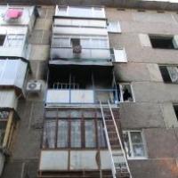 В Омске из-за непотушенной сигареты загорелся девятиэтажный дом