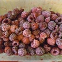Омский Роспотребнадзор не рекомендует покупать ягоды и бахчевые возле трасс