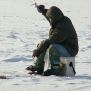 """Омич пытался ловить рыбу на """"Лампочке"""""""