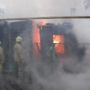 Омские пожарные спасли двоих детей из горящего дома