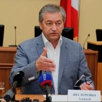 Нестеренко заявил, что голосовать в сентябре неудобно жителям Омской области
