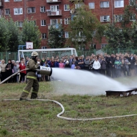 Ученикам омской гимназии вместо пожарных учений устроили шоу