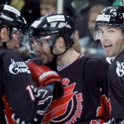 Первый антракт «Авангард» на мажорной ноте завершил осеннюю часть чемпионата КХЛ