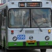 В Омске автобус сбил пешехода и врезался в маршрутку