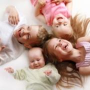 В Омской области увеличено пособие для многодетных семей
