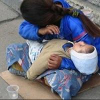 В Омской области попрошаек, использующих детей, будут отправлять в тюрьму