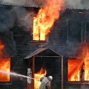 Кровля многоэтажного дома сгорела
