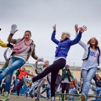 Омичи организовали флэшмоб в честь Всемирного дня танца