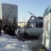 В Омске поймали газелиста, протаранившего церковную лавку