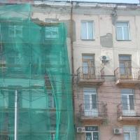 В Омске задержали рабочих, стащивших леса с объекта, где ремонтировали фасад