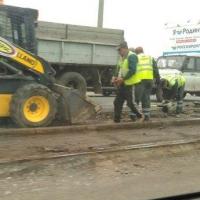В Омске с улицы Лукашевича демонтируют трамвайные рельсы