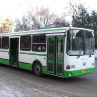 От омской мэрии требуют срочно решить проблему с автобусами