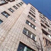 Омич скончался после падения с 7 этажа