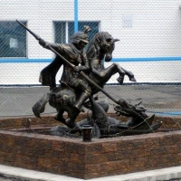 Осужденные в омской колонии создали скульптуру Георгия Победоносца