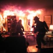 В Омске случился пожар из-за детской игры с зажигалкой