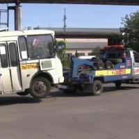 Омичей возят на автобусах с неисправными тормозами