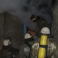 Из-за пожара в Омске эвакуировано более 60 человек