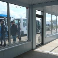 Теплые остановки в Омске оснастят кофейными автоматами