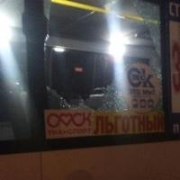 Дорожники разбили маршрутке стекло за проезд по горячему асфальту