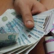 Директор омского предприятия оплачивал штрафы работников из бюджета организации