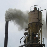 Омский воздух загрязняла асфальтобетонная установка