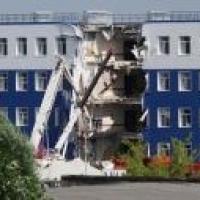 Задержали первого подозреваемого по делу об обрушении казармы в Омске