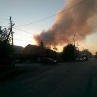 На улице 12 Декабря в Омске горел двухквартирный дом