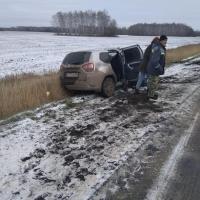 На трассе в Омской области в аварии погибли два человека