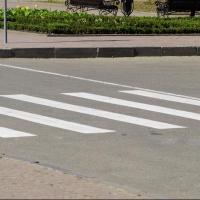 """Автомобилистам запретили обгонять на нерегулируемых """"пешеходниках"""""""