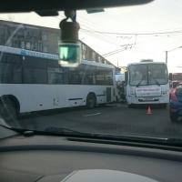 Омские автобусы столкнулись недалеко от остановки «Южный»