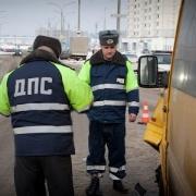 В Омске неопытный водитель спровоцировал крупное ДТП с участием маршрутки и автобуса