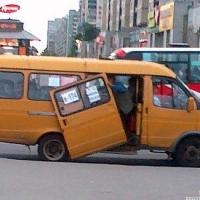 В Омске 28 маршрутных автобусов принудительно сняли с рейса