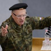 Жириновский извинился перед беременной журналисткой за призывы изнасиловать её