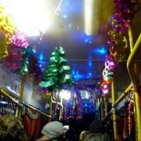 Автобусы и троллейбусы Омска украсят к Новому году