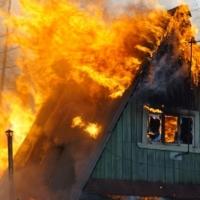 В Омской области в двух пожарах погибли пять человек