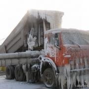 Морозы остановили четыре большегруза на трассе Тюмень-Омск
