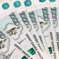 Омский бизнесмен дал взятку чиновнице за победу в аукционе на ремонт образовательных организаций