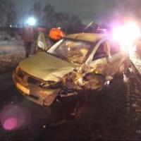В тройном ДТП под Омском пострадали четыре человека