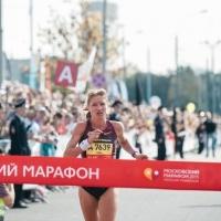 Омичка Нина Поднебеснова поставила рекорд трассы на III Московском марафоне