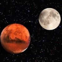 Кризис не помеха: россияне продолжают заниматься скупкой лунных и марсианских участков