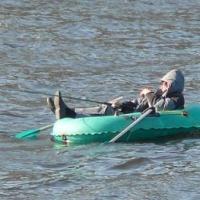 Двое жителей Омской области чуть не утонули, спасая весло