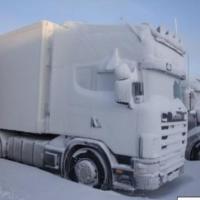 В Омской области инспекторы ДПС спасли двух замерзших водителей