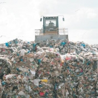 Из территории Омска исключат земли под мусорными полигонами