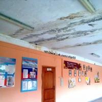В соцсетях жалуются на затопление омской школы №37