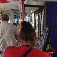 В Омске двухлетний ребенок получил травмы при падении в автобусе