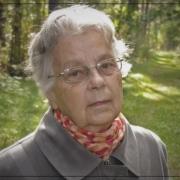 71-летнюю пенсионерку нашли через три дня на берегу озера