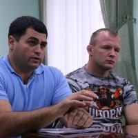 Шлеменко обсудил с главой Омской области проблему пьянства среди молодежи