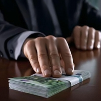 Эксперты: В Омске чаще всего взятки дают врачам