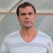 Наставник омских футболистов извинился за несдержанность