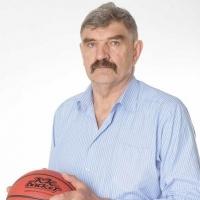 Омские баскетболисты собирают средства для олимпийского чемпиона Дворного
